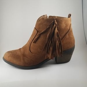 🧜‍♀️4/25🧜GIRLS  FRINGED BROWN ANKLE BOOTIES SZ 4